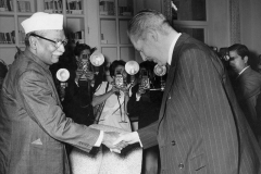Homai and other photographers capture the president, Dr Rajendra Prasad with Harold Macmillan, the Prime Minister of Britain. Delhi 1958