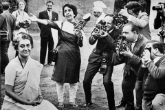 Homai with other press photographers with Mrs. Gandhi at a photo session. Delhi, late 1960s